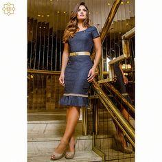 Vestido jeans Via Tolentino com modelagem sino, bem vestida em qualquer ocasião! Gostou? Compre clicando na imagem!
