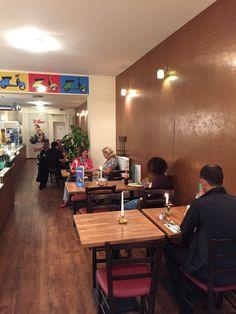 http://www.tuttomatto.de/ #TuttoMatto #Italia #TuttoMattoItalia #Restaurant #Trattoria #Pizzeria #Küche #Berlin #Kreuzberg #traditioneller #italienischer #Art #Spezialitäten #Steinofenpizza #frisch #hausgemachte #Nudeln #Hartweizen #gegrilltes #Fleisch #Tagesfisch #Desserts #Tagesgerichten #Paare #Familien #Kunststücke #Pizza #Küchenchef #Giuseppe