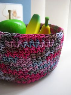 IMG_3609 by ktaylor70, via Flickr  http://www.ravelry.com/patterns/library/catch-all-bowl