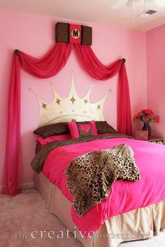 Perfect idea for Princess Mimis bedroom!