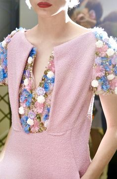 Chanel High Fashion Outfits, Fashion Details, That Look, Chanel, Gowns, Pink, How To Wear, Beauty, Haute Couture