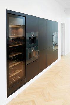 Luxury Kitchen Design, Kitchen Room Design, Home Decor Kitchen, Interior Design Kitchen, Kitchen Wood, Kitchen Worktop, Black Kitchens, Luxury Kitchens, Stylish Kitchen