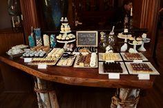Dessert bar / Dessert table #wedding (Image: Photobolic) #DBBridalStyle