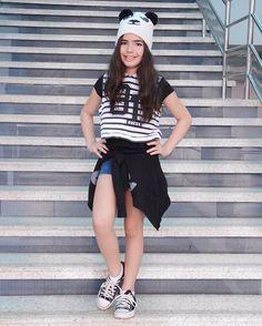 Hoje teve uma apresentação de Piih na escola dela... e estava toda fashion nesse look meio hip hop... parabéns filha!!! Vcs fizeram um ótimo trabalho!!! ❤️ . . . . #fashion #style #lookbook #fashiondiaries #shopping #currentlywearing #ootd #blogger #fashionblogger #instablogger #instablog #streetstyle #classy #pretty #instalook #instalove #instastyle #thatsdarling #fashionista #fashionpost #instagood #fashionaddict #instafashion #beauty #styles #instalife