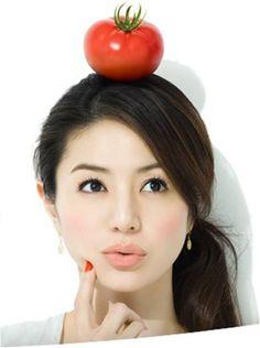 母として女優として年々輝きを増している井川遥さん。そんな井川さんが実際行っているダイエットは実にシンプルで誰もが明日から真似できるものばかりなんです。あなたも井川さん流ダイエットで憧れのセクシーボディを手に入れてみませんか?