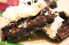Cinnaberry Suite: Triple Chocolate Oreo Bars {Suite Munchies}