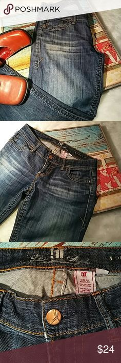 !It Dream Diva stretch flare jean Med blue with distress fading in thigh area, white and Brown thick outside stitching low rise, detailing on back pockets. Nice Jean It Dream Diva  Jeans