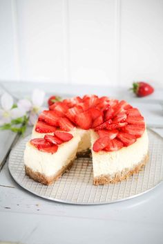 Karamell Erdbeer Cheesecake Rezept - caramel cheesecake with strawberries