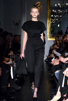 LAVA by Ania Kuczyńska. FOT. F. Okopny / MORE: www.YESisMyBless.com/ania-kuczynska-lava-spotkanie-sacrum-i-profanum #AniaKuczynska #warsaw #warszawa #fashion #poland #designer #catwalk #fashionshow #trends #models #design