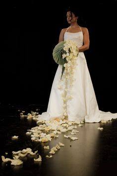 Let simplicity of flowers speak ...  www.tomasdebruyne.com