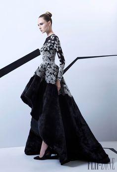 Rami Kadi Herbst/Winter 2015-2016 - Couture - http://de.flip-zone.com/fashion/couture-1/independant-designers/rami-kadi-5742