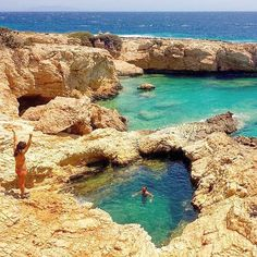 This place called Pisina and is a natural swimming pool , at Koufonisia island (Κουφονήσια) . Magical & unique location , looks like a heart if you noticed it . Amazing shades of blue ... Exactly what you need !