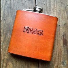 Personalized Leather Hip Flask, Groomsmen Gift, Monogram Flask, Groom Gift, Gift For Him Groomsmen Flask, Groomsmen Gift Box, Groomsman Gifts, Personalized Fathers Day Gifts, Personalized Christmas Gifts, Best Gifts For Men, Gifts For Him, Making Ideas, Craft Making