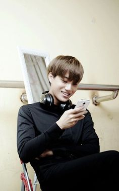 i love this picture of kai. imagine him just reading your texts or just looking through the candid shots he took of you Baekhyun Chanyeol, Exo Kokobop, Kpop Exo, Kai, Taemin, Luhan And Kris, Kim Jong Dae, Exo Concert, Billy Elliot