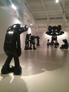 Kaws Artist Exhibition Final Days Monumental Sculptures Málaga Ciudad Genial Málaga Spain