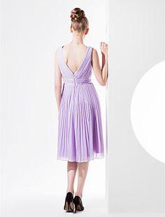 A-line V-neck Knee-length Georgette Bridesmaid Dress (1469121) - AUD $ 120.38