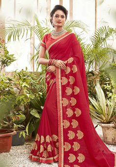 Buy Red Chanderi Silk Saree With Blouse 201619 with blouse online at lowest price from vast collection of sarees at Indianclothstore.com. Chanderi Silk Saree, Lehenga Choli, Silk Sarees, Latest Designer Sarees, Latest Sarees, Red Saree, Sari, Celebrity Gowns, Neck Deep