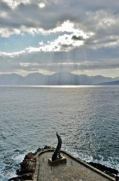 GREECE CHANNEL | Setting inspiration- Sun rays over Crete