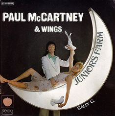 "Junior's Farm (7"" Single) by Paul McCartney & Wings - The Paul McCartney Project Paul Mccartney Albums, Paul Mccartney And Wings, The Beatles 1, John Lennon Beatles, Wings Albums, Wings Band, Rock Cover, Venus And Mars, Family Photo Album"