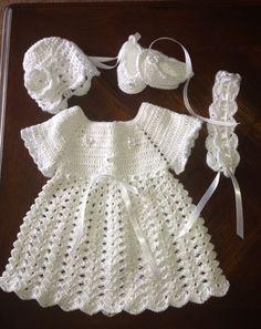 White crochet baby dress More Crochet Baby Dress Pattern, Baby Dress Patterns, Baby Girl Crochet, Crochet Baby Clothes, Newborn Crochet, Crochet Patterns, Baby Dress Tutorials, White Baby Dress, Crochet Summer Dresses