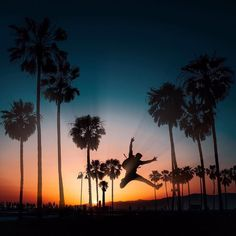 Aquele fim de tarde com um visual incrível sabe...  Los Angeles Califórnia no registro do nosso colunista Brian Baldrati @isthisreal  Compartilhe sua dica de viagem marcando suas fotos com a hashtag #blogmochilando