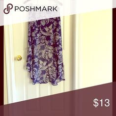 High low skirt!! Amazing high waisted, high low floral skirt! Makes your legs look so good! Forever 21 Skirts High Low
