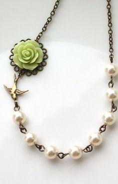 Gorgeous necklace.: