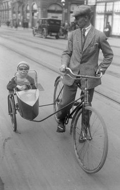 Cruising in Berlin … c.1931