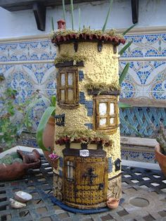Clay Houses, Miniature Houses, Clay Pot Crafts, Diy And Crafts, Popsicle Stick Houses, Kids Castle, Bottle House, Mediterranean Tile, Fairy Doors