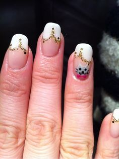 Cat nail