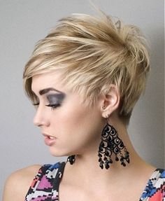 10 Best Round Face Hairstyles For Girls http://startvirallife.com/10-best-round-face-hairstyles-girls/