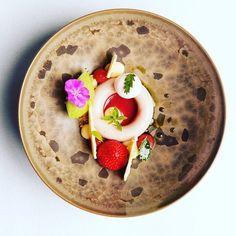 Strawberry - basil. #artistic #theartofplating #myroundplate