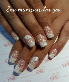 Beautiful hand with perfect manicure alves with Gold Glitter Nails, Rhinestone Nails, Great Nails, Fabulous Nails, Bride Nails, Wedding Nails, Hair And Nails, My Nails, Bridal Nail Art