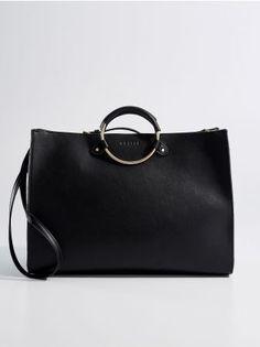 Mohito - Táska fémfogóval A táska mérete  39x14x28 cm b99e8021946