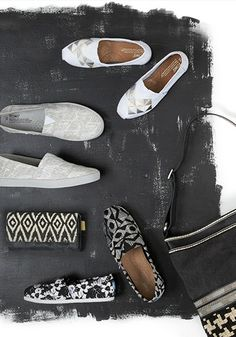 Black and white and stylish all over.