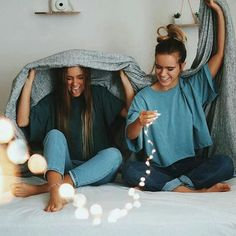 Best friend goals//bff goals 🌐👭 on we heart it Bff Goals, Friend Goals, Best Friend Pictures, Bff Pictures, Friend Photos, Friendship Pictures, Squad Pictures, Photos Bff, Cute Photos