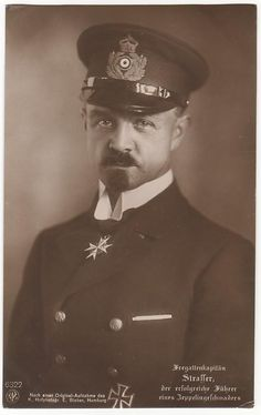 ■ Fregattenkapitan Peter Strasser - Chief of Naval Airship Service - Winner of the PLM 4 Sept. 1917 - Killed in action 5 Aug. Killed In Action, Zeppelin, Wwi, Awards, Germany, Portraits, Characters, History, Sailors