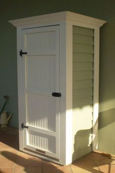 Cabinet shed for attractive porch storage #deckbuildingstoragesheds #deckbuildingplans #deckbuildingtips #sheddesigns