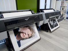 Quantas vezes você quis saber qual o maior tamanho que uma fotografia digitalpoderia ser impressa sem perder qualidade? Será que dá para imprimir aquela imagem de smartphonedo tamanho de um poste…