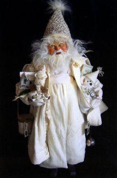 These are exquisite! Handmade Vintage Santas by artist Dee Gann