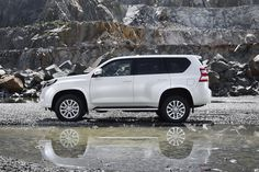 Toyota officially unveils the 2013 Land Cruiser Prado - CarWale News - CarWale Darth Vader Head, Vader Star Wars, Toyota 4x4, Toyota Cars, Toyota Land Cruiser 150, Suv Trucks, 4x4 Off Road, Vehicles, Suv 4x4
