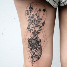 Floating chamomile island with lizard skeleton climbing up the roots towards a pollinating honeybee, on the back of the thigh into the center of the knee ditch. Thanks Terra!