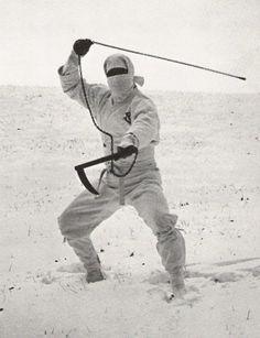 Ninja ~ Ninja in white winter uniform Spiritual Warrior, Warrior Spirit, Shadow Warrior, Ninja Warrior, Samurai Warrior, Aikido, Kung Fu, Guerrero Ninja, Era Edo