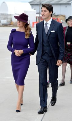 Prince William and Kate were welcomed to Canada by Prime Minister Justin Trudeau and his wife Sophie - get the latest on the royal tour .the result of When great men marry great women Kate Middleton Prince William, Prince William And Kate, William Kate, Disney Marvel, Sophie Gregoire Trudeau, Barack Obama, Famous Couples, Happy Couples, Famous Men