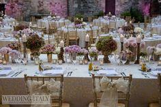 #CastelloDiModanella #PhCarloCarletti #NewlywedsLongTable #FlowersDecorations #GoldVintage