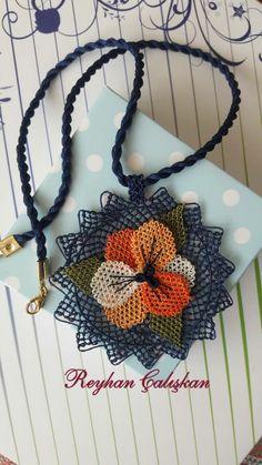 Needle Lace, Crochet Slippers, Grapevine Wreath, Diy And Crafts, Crochet Earrings, Jewels, Flowers, Sultan, Stud Earrings
