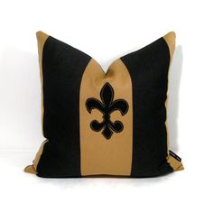 fleur de lis pillow for our bedroom