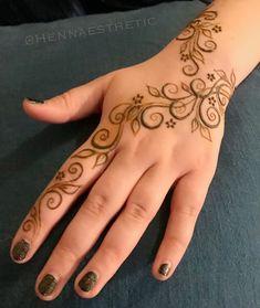 Hassan's – Tattoo vorlagen – Hassan… Henna Tattoo Designs Simple, Tattoo Designs Foot, Beginner Henna Designs, Unique Mehndi Designs, Beautiful Henna Designs, Simple Henna, Henna Tattoos, Mehandi Henna, Henna Tattoo Hand