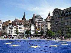 Giant European flag at Strasbourg (France) - Europe Day 2009 Europe Day, France Europe, Beauty Around The World, Around The Worlds, European Flags, Strasbourg, Churchill, Slovenia, Bulgaria