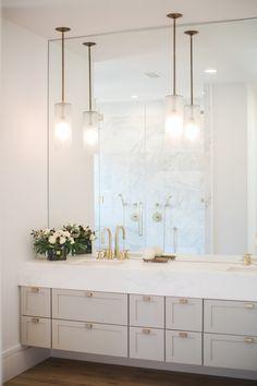 Modern Bathroom Design, Bathroom Interior Design, Bathroom Designs, Modern Marble Bathroom, Modern Bathroom Cabinets, Hall Interior, Bathroom Vintage, Kitchen Interior, Natural Oak Flooring